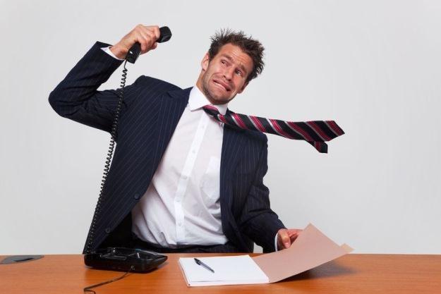 Dni telefonów stacjonarnych w biurach są policzone /©123RF/PICSEL