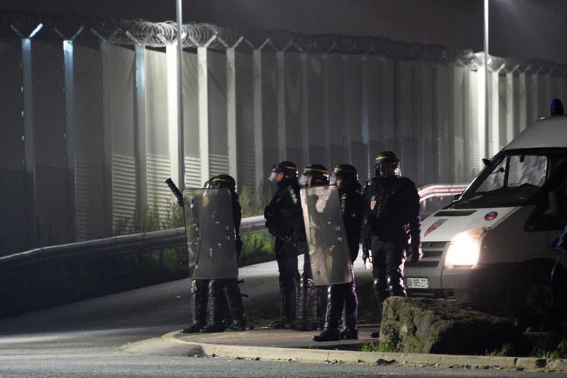 Do akcji zmobilizowano ponad tysiąc dwustu policjantów i żandarmów /AFP