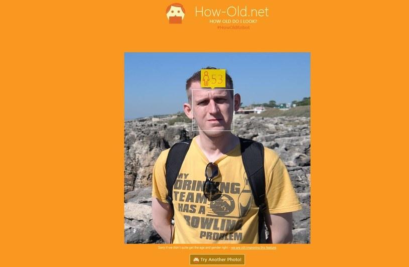 """Do celów redakcyjnych swoje zdjęcie ofiarował przygotowujący materiał redaktor - How-Old.net pomylił się """"jedynie"""" o 20 lat. Algorytm czeka jeszcze długa droga /INTERIA.PL"""