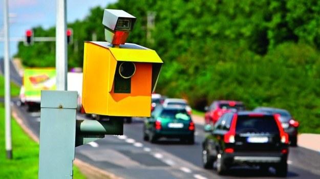 Do końca roku na polskich drogach pojawi się 300 nowych fotoradarów. /Motor
