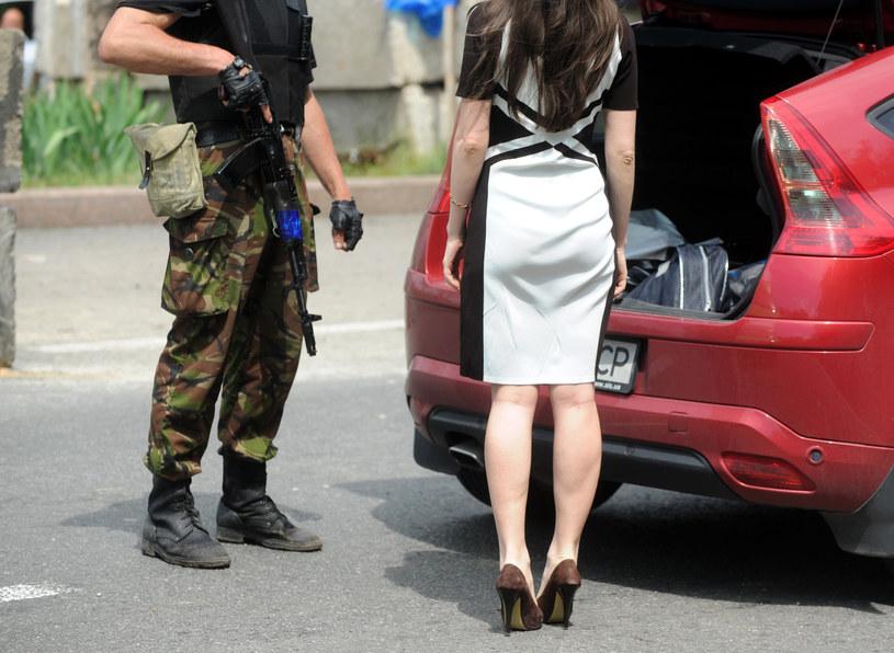 Do nadużyć dochodzi również w punktach kontrolnych /AFP