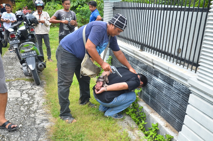 Do niedzieli indonezyjskiej policji udało się ująć 242 osoby /WAHYUDI /AFP