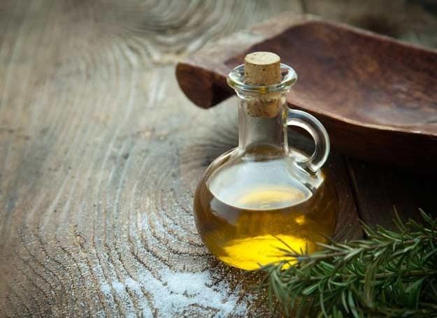 Do OCM możesz uzyć oliwy z oliwek /©123RF/PICSEL