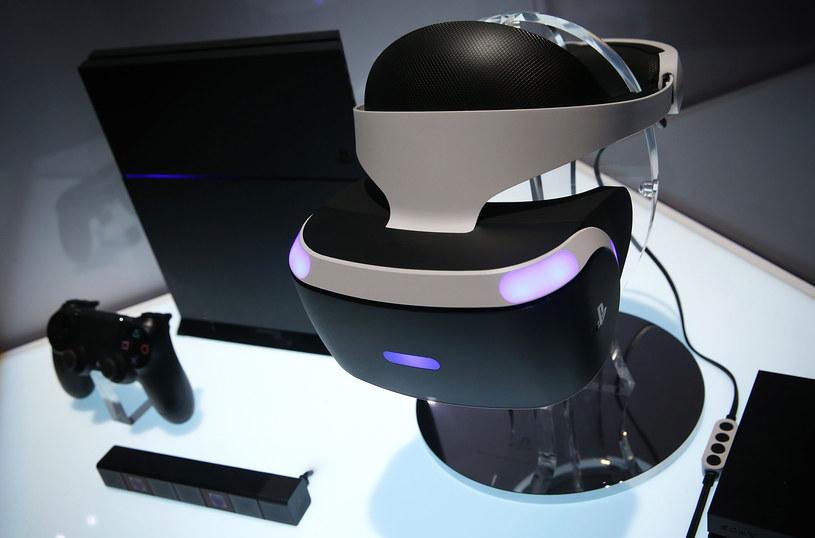 Do pełnej zabawy potrzeba jeszcze konsoli PlayStation 4. Nie wiadomo, kiedy PlayStation VR pojawi się na rynku - z pewnośnią do końca tego roku /AFP
