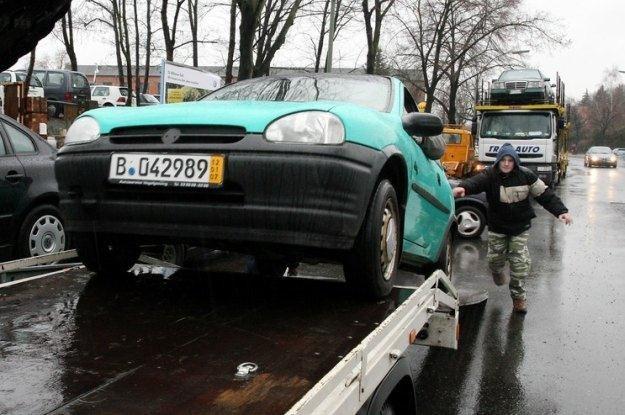 Do Polski nie trafiają auta w idealnym stanie technicznym / Fot: Lech Muszyński /Reporter