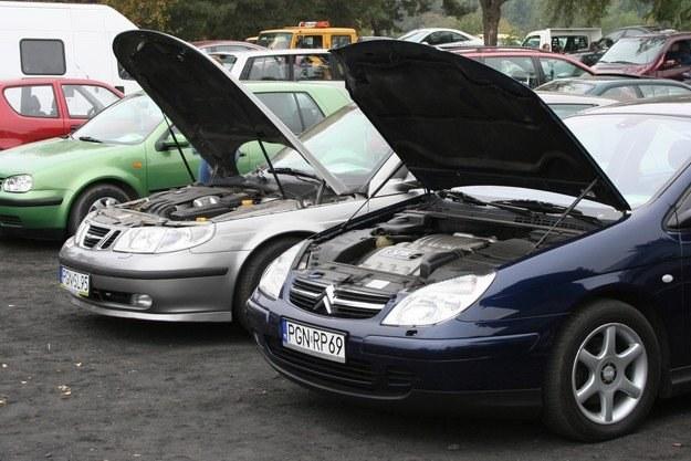 Do Polski sprowadza się coraz młodsze samochody /