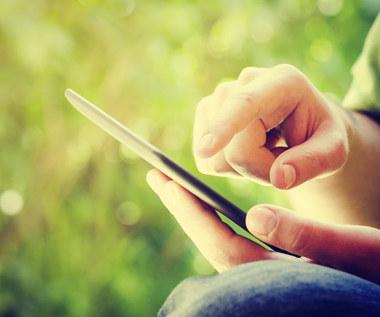 Do smartfona można włamać się przez… ekran