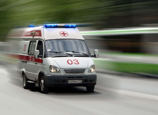 Do szpitala odwieziono dziewięcioro dzieci i opiekunkę (zdjęcie ilustracyjne) /©123RF/PICSEL