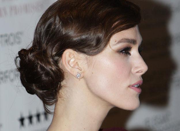 Do typu urody Keiry Knightley pasuja fryzury w stylu lat 20. /Getty Images