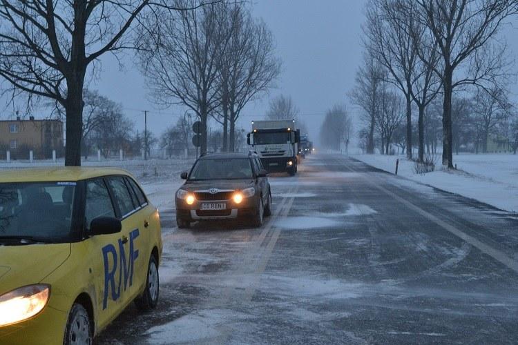 Do wypadku autobusu pod Włocławkiem doszło nad ranem. Przez kilka godzin trasa była zablokowana /Paweł Balinowski /RMF FM