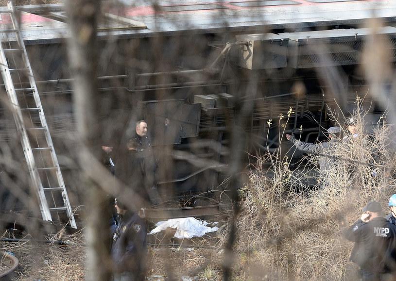 Do wypadku doszło w okolicy Bronxu. /ANDREW GOMBERT /PAP/EPA