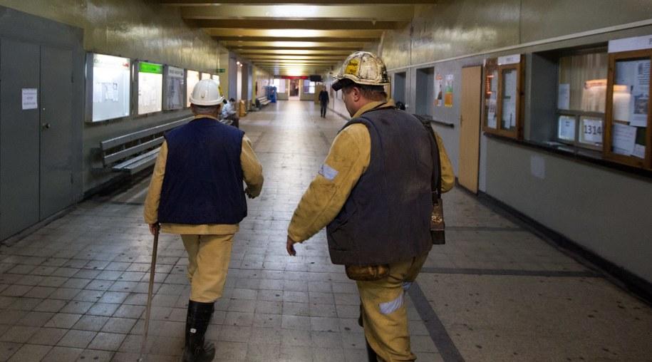 Do wypadku w kopalni doszło w poniedziałek wieczorem /Andrzej Grygiel /PAP