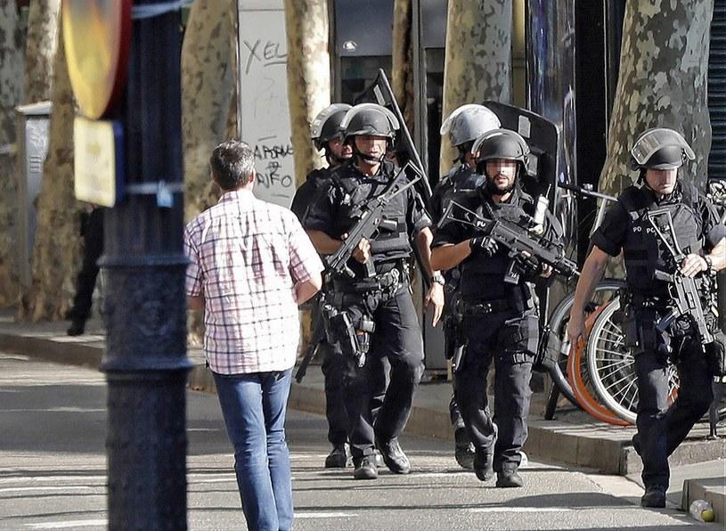 Do zamachu w Barcelonie doszło w czwartek po południu /ANDREU DALMAU /AFP