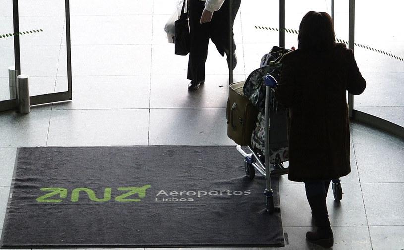 Do zatrzymania doszło na lizbońskim lotnisku Portela. /AFP
