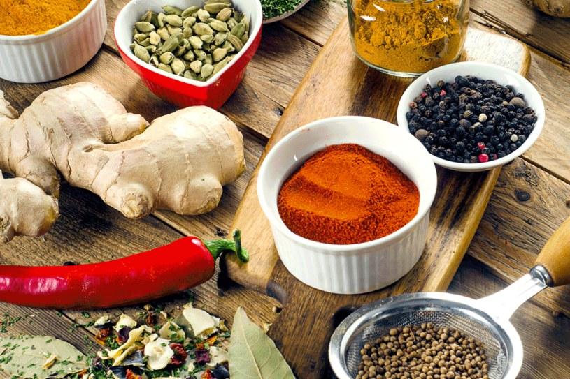 Dobierz przyprawy, które przyspieszą metabolizm /123RF/PICSEL