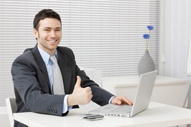 Dobra atmosfera w pracy bywa równie ważna jak wysokość zarobków /123RF/PICSEL