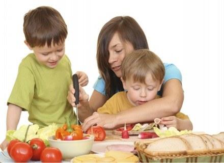 Dobrze wiesz, jak ważna jest zdrowa dieta /ThetaXstock