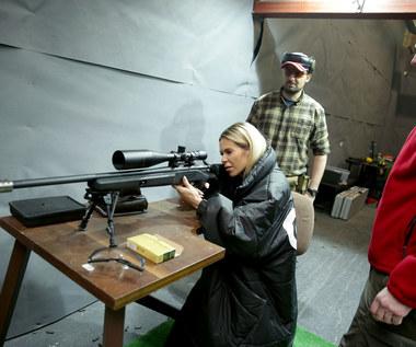 """Doda z karabinem trenuje przed premierą """"Pitbulla"""""""