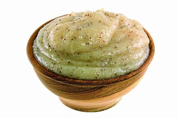 DODATEK  DO BALSAMU  Do balsamu dodaj po łyżce kawy rozpuszczalnej, kakao i cynamonu. Nałóż...