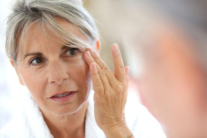Dojrzała kobieta wymaga szczególnej pielęgnacji /123RF/PICSEL