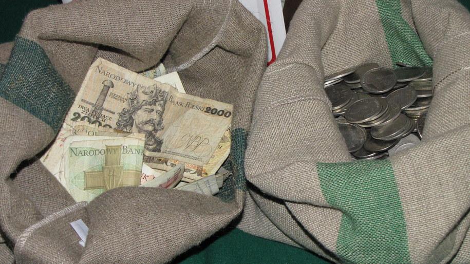 Dokładnie o północy stare pieniądze staną się bezwartościowymi krążkami metalu i makulaturą  /Krzysztof Zasada /RMF FM