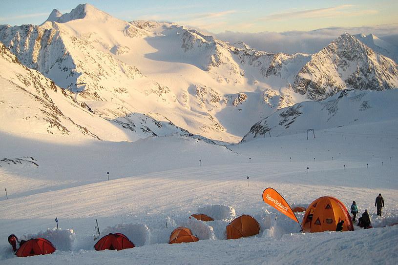 Dolina Stubai to miejsce, w którym żadem wprawny narciarz nie będzie się nudzić. Zobacz, co w tym roku koniecznie zaplanować w swoim kalendarzu /Styl.pl/materiały prasowe