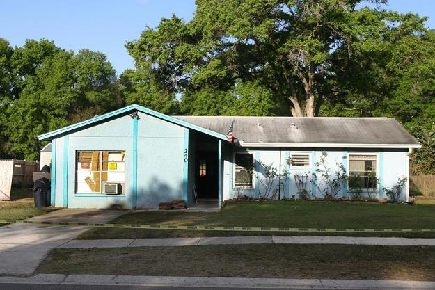 Dom, w którym zapadła się ziemia, fot. LSFL/Splash News /East News