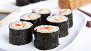 Domowe sushi z łososiem