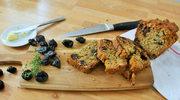 Domowy chlebek ze śliwką kalifornijską