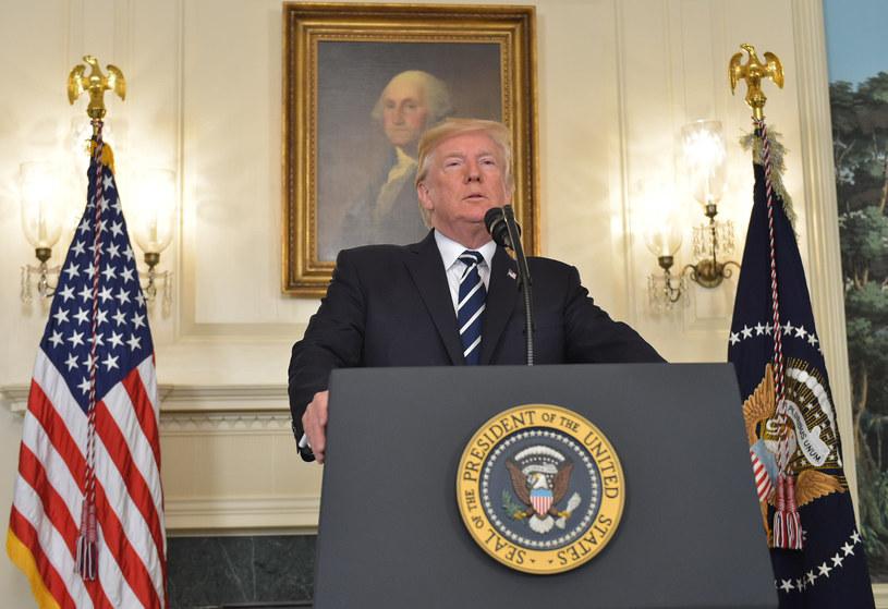 Donald Trump podczas przemówienia na temat masakry w Las Vegas /AFP