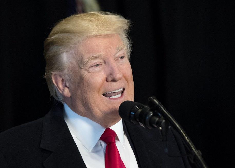 Donald Trump potępia pogróżki pod adresem społeczności żydowskiej /KEVIN DIETSCH / POOL /PAP/EPA