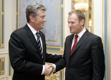 Donald Tusk i Wiktor Juszczenko /AFP