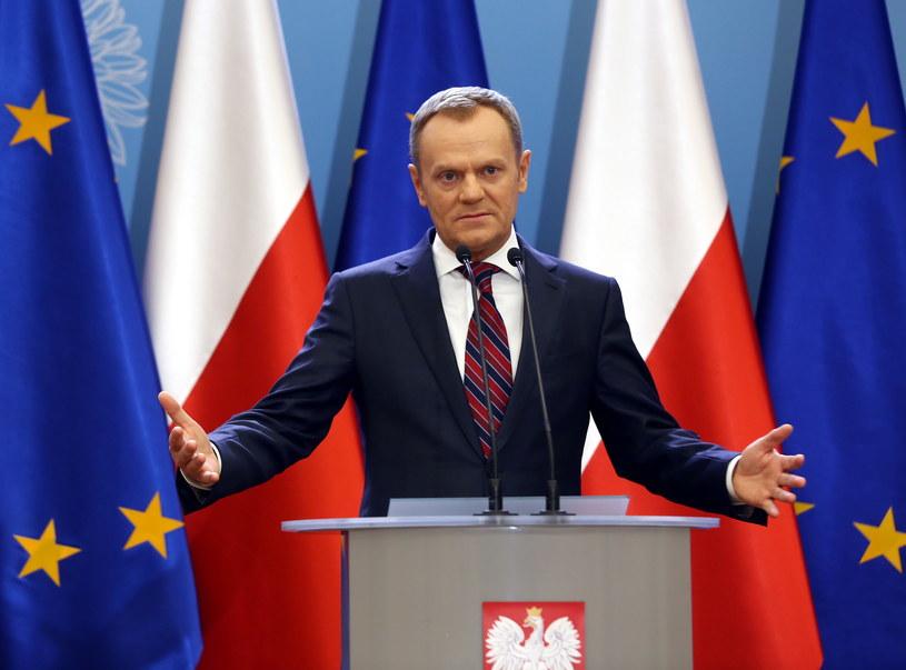 Donald Tusk na dzisiejszej konferencji prasowej /Tomasz Gzell /PAP