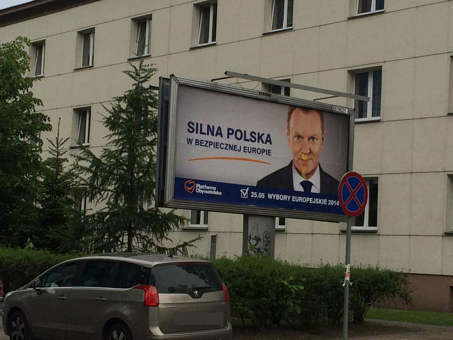 Donald Tusk na plakacie /Magdalena Gawlik /RMF FM