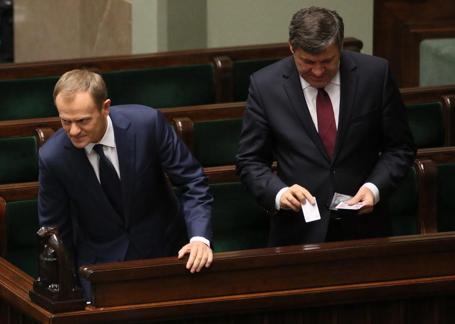 Donald Tusk po głosowaniu ws. referendum /Leszek Szymański /PAP