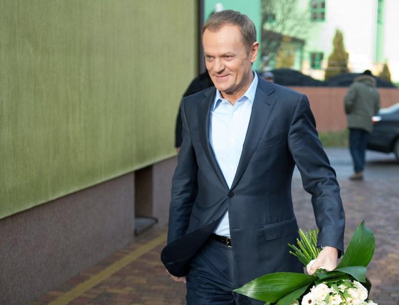 Donald Tusk z wizytą w Strzałkowie /Grzegorz Michałowski /PAP