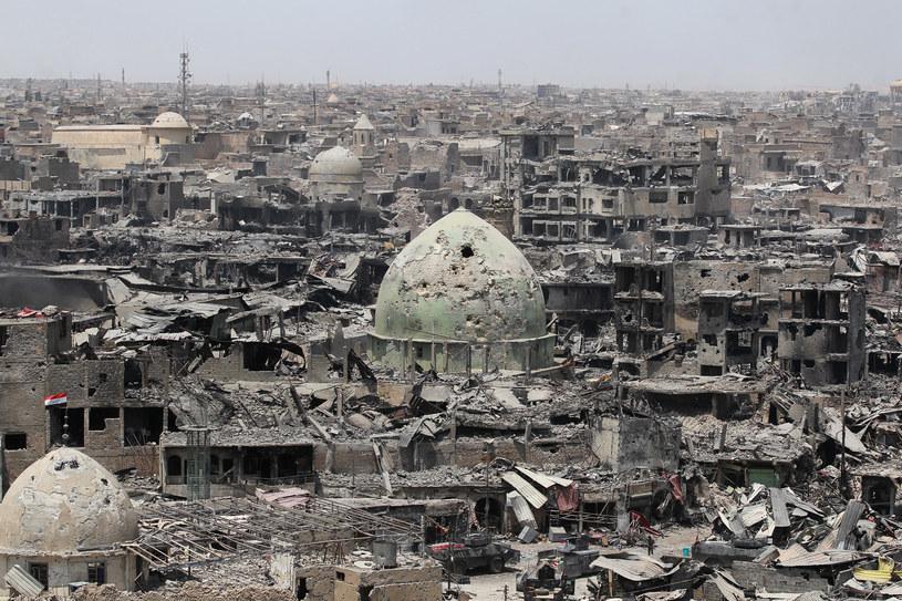 Doszczętnie zniszczony Mosul /AFP