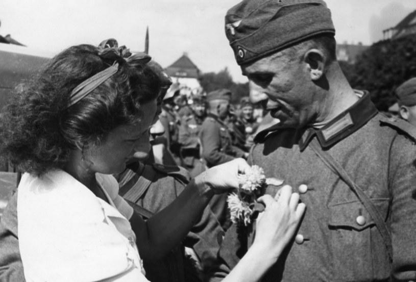 Dotychczas nikt systematycznie nie badał losów dzieci, których ojcami byli niemieccy okupanci stacjonujący w Polsce /Sueddeutsche Zeitung Photo     /FORUM