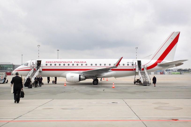 Dotychczas polski rząd korzystał z wyczarterowanych z PLL LOT samolotów Embarer 175 /Jan Kucharzyk /East News