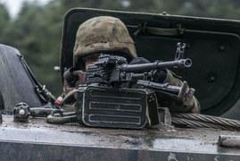 Dragoni z 10. batalionu zmechanizowanego Dragonów z 10. Brygady Kawalerii Pancernej na żagańskim poligonie