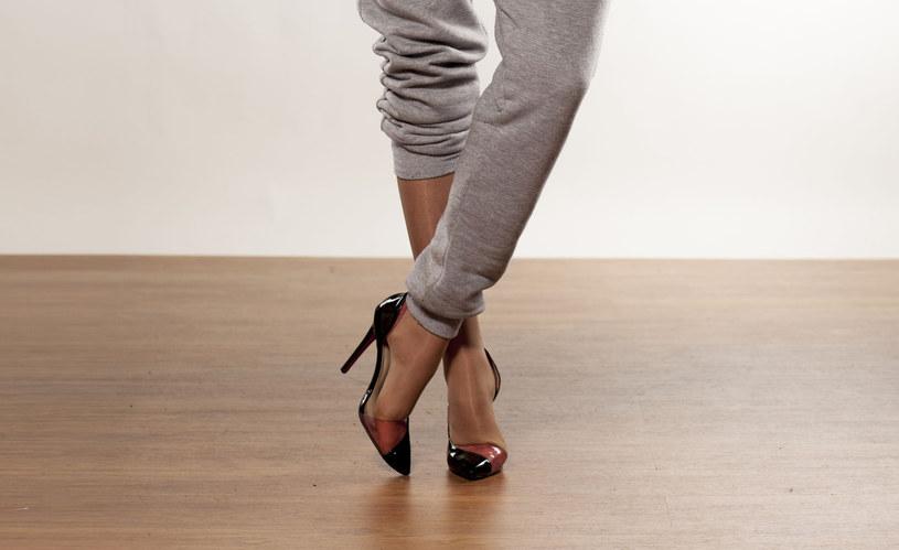 Dres do szpilek? Ta moda znów wraca do łask! /©123RF/PICSEL
