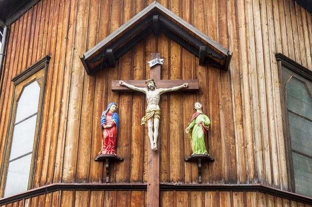 Drewniany kościół w Zawoi /123/RF PICSEL
