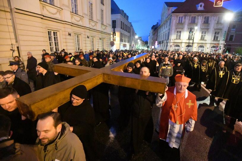 Droga krzyżowa w Warszawie /Bartłomiej Zborowski /PAP