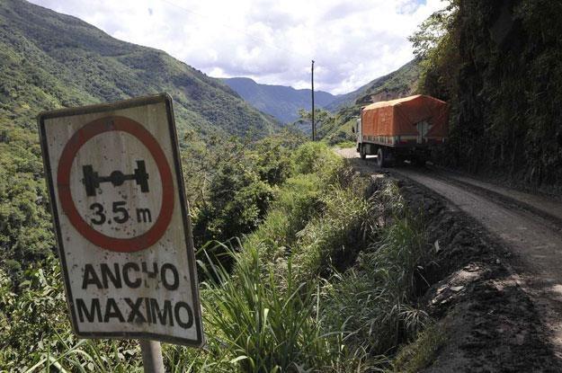 Droga Yungas w Boliwii, mająca opinię najbardziej niebezpiecznej drogi na świecie /AFP
