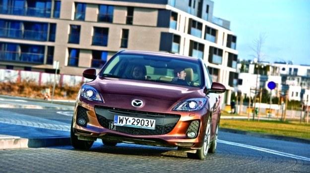 Druga generacja Mazdy 3 zadebiutowała w 2009 r. Dwa lata później przeprowadzono facelifting modelu. /Mazda