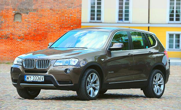 Druga generacja X3 to typowy SUV klasy średniej. Ma długość 465 cm i rozstaw osi 281 cm. To wymiary między serią 3 a 5. /Motor