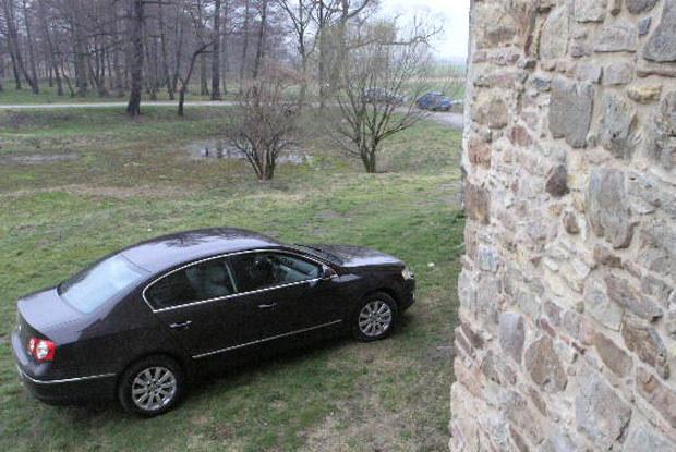 Drugie miejsce: Volkswagen passat / kliknij /INTERIA.PL