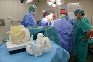 Drukarka 3D pozwoliła usunąć nieoperacyjnego guza