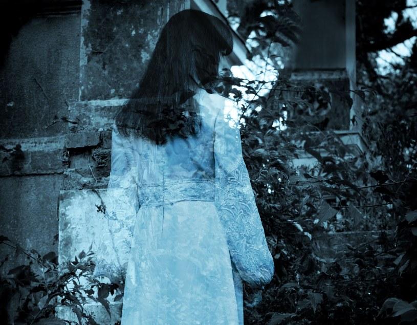 """""""Duchom widzianym przez umierających przypisuje się rolę przewodników, pomagających w wędrówce do innego wymiaru istnienia"""" /©123RF/PICSEL"""