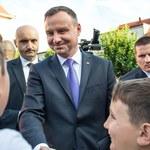 Duda: Ktoś być może chce, by Polacy zobaczyli bijatykę na Krakowskim Przedmieściu